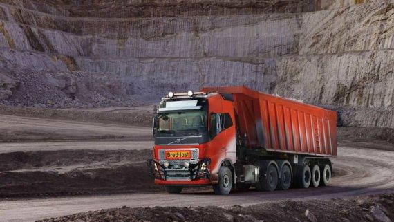 беспилотные грузовики Вольво