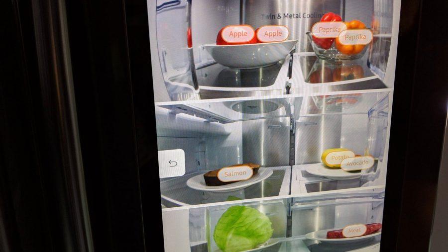 Bixby Vision распознает продукты в холодильнике