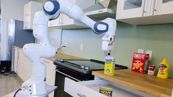 nvidia роборука на кухне IKEA